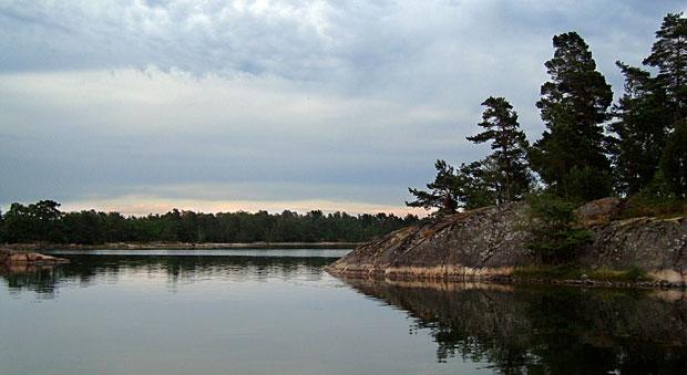 En lugn vik i Västerviks skärgård